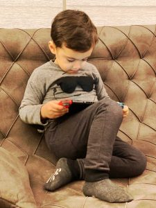 When Nikan Play With Nintendo Switch